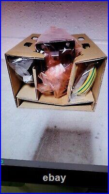 New Open Box Verifone UX300 M159-300-010-WWA-B Card Reader